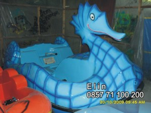 sepeda air fiberglass kuda laut